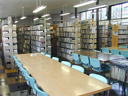 七戸中央図書館.jpg